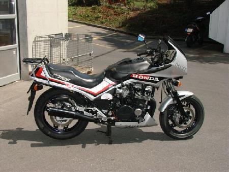 CB 750 F