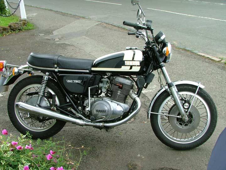 Yamaha-TX750-74