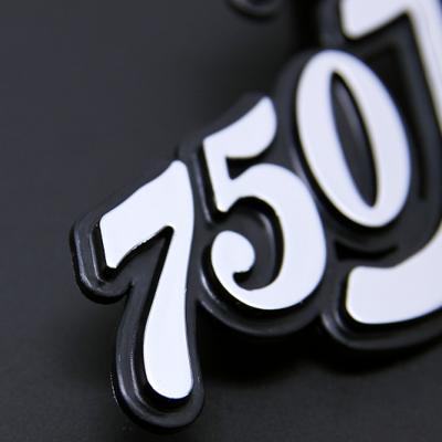 Sigle de cache latéral pour CB750